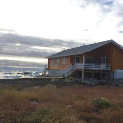 011-Arctic-traehus